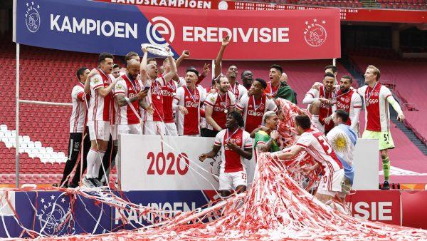 อาแจ๊กซ์ ลีกฟุตบอลของประเทศเนเธอร์แลนด์ กับแชมป์เอเรอดีวีซีสมัยที่ 35